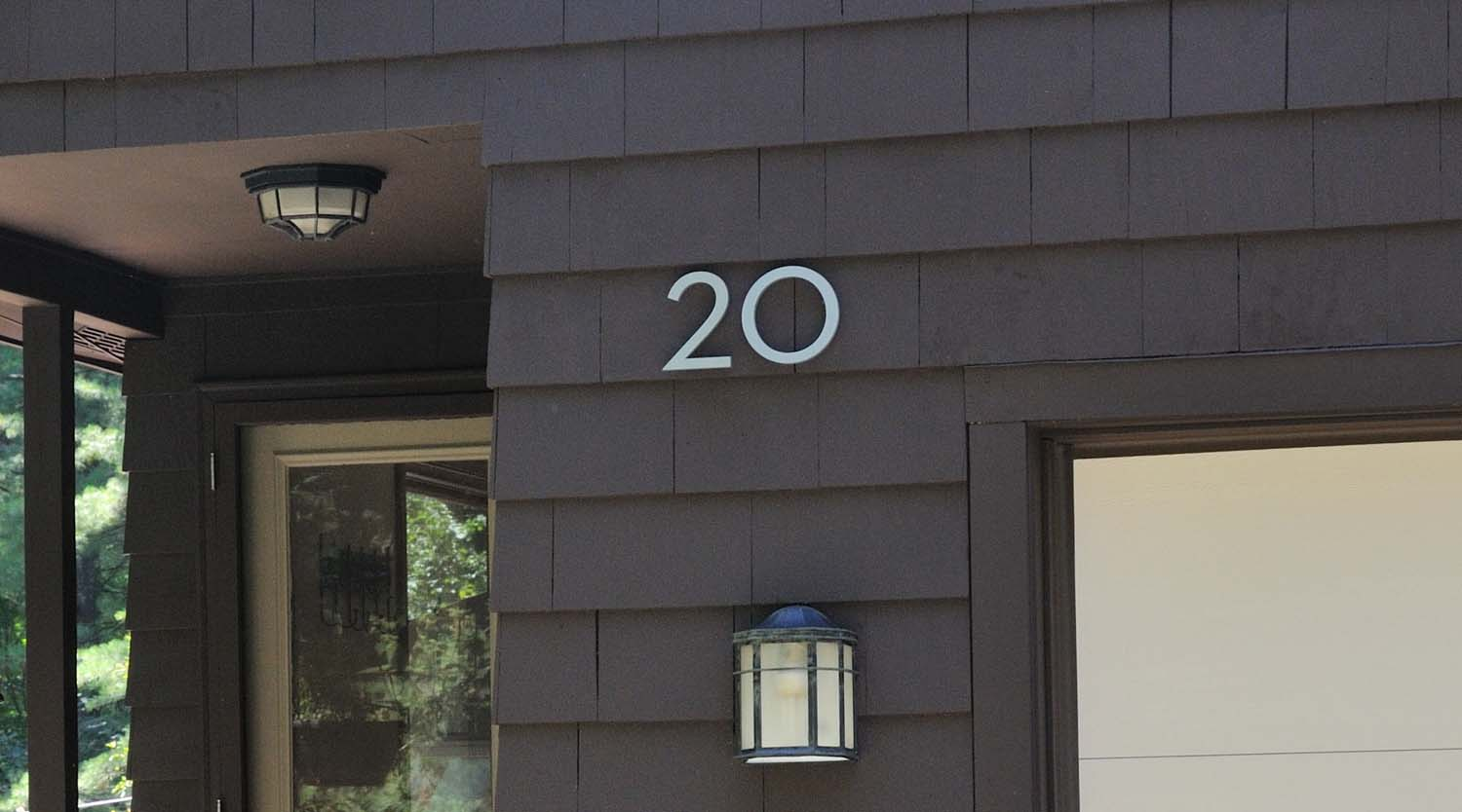 Modern house numbers 28 images 4 quot modern house for Big modern house numbers